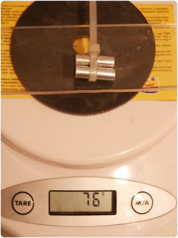 PICT0415 8.8. Vferi: Kísérletek mágnesekkel