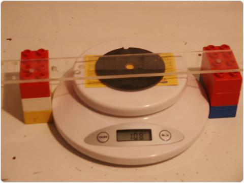 PICT0419 8.8. Vferi: Kísérletek mágnesekkel