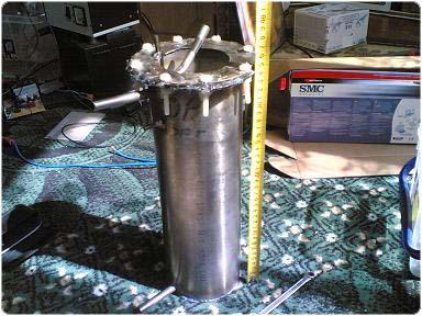 20060405(004) 2.4.1.11.40. Kísérletek a hidrogén elégetésével